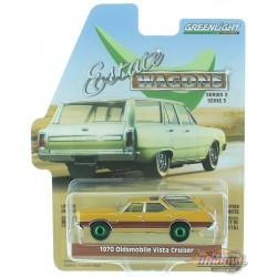 1970 Oldsmobile Vista Cruiser in Nugget Gold Poly - Estate Wagons Series 3 - 1/64  GREEN MACHINE 29950 GR