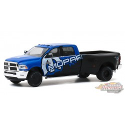 2017 Ram 3500 Dually MOPAR Off-Road Edition - Dually Drivers Series 4 - 1-64  Greenlight  - 46040 C - Passion  Diecast