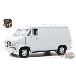 1976 Chevrolet G-Series Van - White - HWY 61  1/18 - 18023  -  Passion Diecast