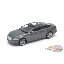 Jaguar XJ  Silver - welly 1/24 - 22517 Sil - Passion Diecast