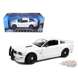 2007 Saleen Ford Mustang S281E Police White - Welly 1/18 12569 - Passion Diecast