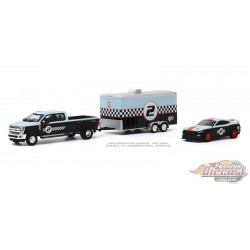 2019 Ford F-350 Dually and 2019 Ford Shelby GT350R- Gulf Oil - with Enclosed Car Hauler 1/64 Greenlight 31090 B Passion Diecast
