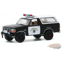 1995 Ford Bronco  California Highway Patrol  - Hot Pursuit Series 35 -  1-64 greenlight 42920 E -  Passion Diecast