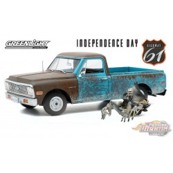 1971 Chevrolet C-10 Pickup with Alien Figure - Independence Day -  HWY 61 1/18 - 18021 - Passion Diecast