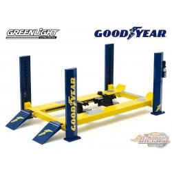 Four-Post Lift - Goodyear Tires  -  Greenlight -  1/18, 13581 - Passion Diecast