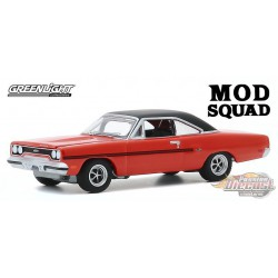 1970 Plymouth GTX - The Mod Squad - Hollywood 29 - 1-64  greenlight - 44890 A - Passion  Diecast