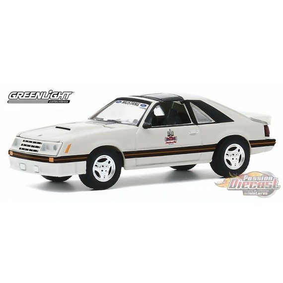 1979 Ford Mustang 1982 Detroit Grand Prix Official Pace Car - greenlight 1/64  Hobby Exclusive - 30167 -  Passion Diecast