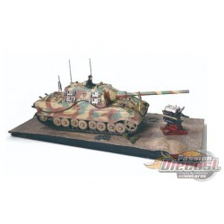 "German Sd.Kfz.186 Panzerjager Tiger Ausf. B heavy tank ""JagdTiger"", Porsche suspension - 1945 - 1/32 Forces of Valor 801065A - P"