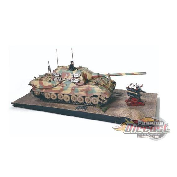 "German Sd.Kfz.186 Panzerjager Tiger Ausf. B heavy tank ""JagdTiger"", Porsche suspension - 1945 - 1/32 Forces of Valor 801065A - P"