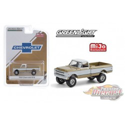 1969 Chevrolet K10 Pickup Truck 4x4 -  Gold & White  - greenlight 1/64 - MiJo Exclusives - 51336 - Passion Diecast