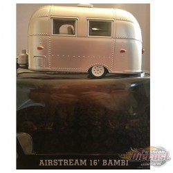 Trailers - Airstream 16ft Bambi Sport - Silver GREENMACHINE 1/24 18224GR