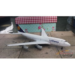 Dragon Wings 1/400 Boeing 747-400 Lufthansa / D-ABVF / NO BOX - Passion Diecast