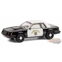 1982 Ford Mustang SSP - California Highway Patrol - Hot Pursuit 36 - 1-64 Greenlight 42930 C  - Passion Diecast