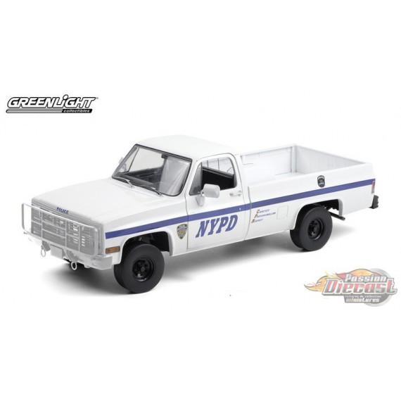 1984 Chevrolet CUCV M1008 - New York City Police Department (NYPD) - Blanc   - 1/18  Greenlight - 13561  -  Passion Diecast