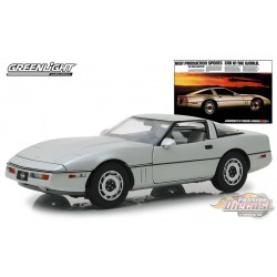 1984 Chevrolet Corvette C4 - Silver Metallic  - Best Production Sports Car in the World - Greenlight 1/18 - 13534
