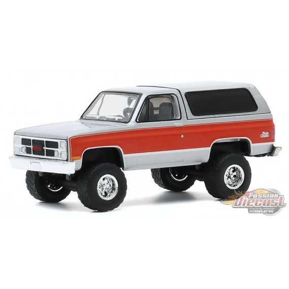 1984 GMC Jimmy (Lifted)  - All-Terrain Series 10  1-64 greenlight 35170 D - Passion Diecast