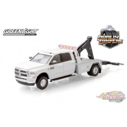 2018 Ram 3500 Dually Wrecker in Bright White - Dually Drivers  5 - Greenlight 1-64 - 46050 C -  Passion Diecast