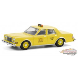 1994 Ford Crown Victoria - NYC Taxi  -  (Hobby Exclusive) 1/64 Greenlight 30206 - Passion Diecast  - Passion Diecast