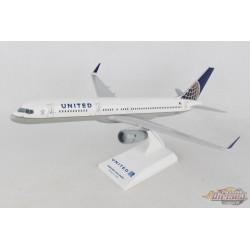United BOEING 757-200ER - SKYMARKS 1/150 SKR598 - Passion Diecast