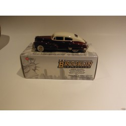 1947 Cadillac red/white - Brooklin 1/43 BRK.105