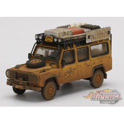 Land Rover Defender - 110  Camel Trophy Winner 1989 Dirty Version - Mini GT 1/64 - MGT00221  - Passion Diecast