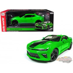 2017 Chevrolet Camaro SS Green - 1/18 Auto World  AW244 - Passion Diecast