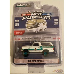 1993 Ford Bronco US Customs and Border Protection Border Patrol -  Hot Pursuit Series 35 - 1-64 GREENMACHINE 42920 DGR