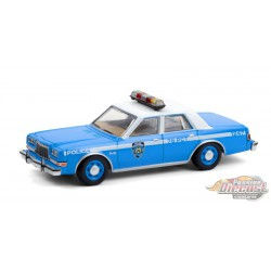 1982 Plymouth Gran Fury - NYPD Police Dept - Hot Pursuit Series 37 -1-64 Greenlight - 42950 B - Passion Diecast