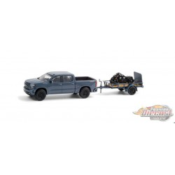 2020 Chevrolet Silverado and Utility Trailer and 2020 Indian Scout Bobber Motorcycle - Hitch & Tow 21, 1/64 Greenlight - 32210 D