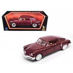 1948 Tucker  Torpedo -  Burgundy  - 1/18 Road Signature - 92268BUR