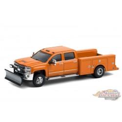 2018 Chevrolet Silverado 3500 Dually Service Orange  with Snow Plow - Dually Drivers  6 - Greenlight 1-64 - 46060 B  Diecast