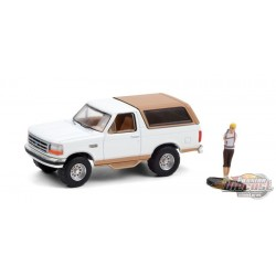 1996 Ford Bronco Eddie Bauer with Backpacker - The Hobby Shop Series 10 - 1/64 Greenlight - 97100 F
