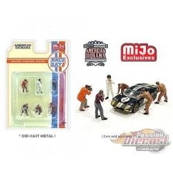 Race Day 1  Figurine 6 pieces Diecast  -  American Diorama 1-64 - 76475 MJ - Passion Diecast