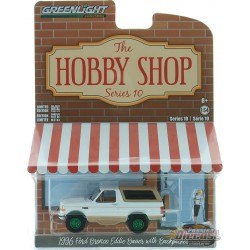 1996 Ford Bronco Eddie Bauer et Backpacker - The Hobby Shop Series 10 -1/64 GREENMACHINE - 97100 FGR Passion Diecast