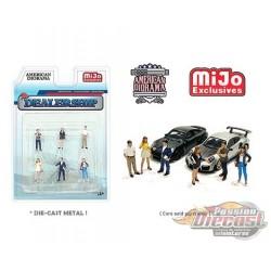 The Dealership set Figurine 6 pieces Diecast  -  American Diorama 1-64 - 76476 MJ