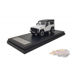 2018 Land Rover Defender 90 works V8 70th Edition Diecast model car - White - LCD Models 1:64 - 64016 WH - Passion Diecast