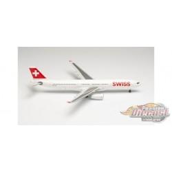 "Airbus A330-300 / Swiss International Airlines HB-JHF  'Bern"" / Herpa 1:200 HE571685"