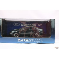 2001  Ford Mustang  Gt Bullit green  - AUTO ART  1/18 - 72851 Used