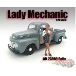 Lady Mechanic – Sofie - AMERICAN DIORAMA FIGURES - 1/24 - AD-23959 Passion Diecast