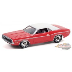 The Challenger Deputy - 1970 Dodge Challenger in Bright Red with White Roof - Hobby Exclusive - 1/64 Greenlight - 30313