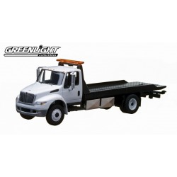 2013 International Durastar 4400 Tow Truck  White