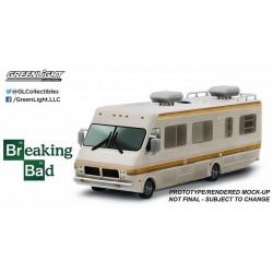 1986 Fleetwood Bounder RV  Breaking Bad  Greenlight 1/64 33021 Passion Diecast