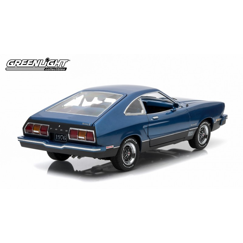 1976 ford mustang ii mach 1 bleu noir passion diecast. Black Bedroom Furniture Sets. Home Design Ideas