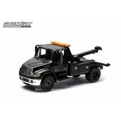 2014 International Durastar 4400 Tow Truck Black Bandit Hobby Exclusive Greenlight 1/64 29807 Passion Diecast